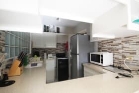 Modern Kitchen in the 2 Bed Ground Floor Apartment