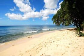 Beach outside Mahogany Bay