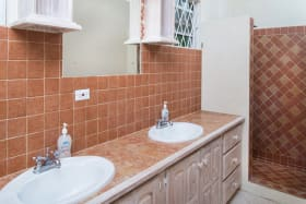 Cottage bathroom with double vanity