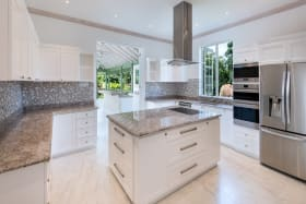 Spacious kitchen with all new appliances
