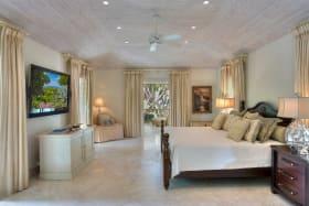 Luxurious ensuite bedroom