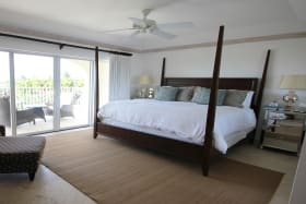 Master bedroom suite with access to the balcony