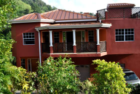 Casa Rojo