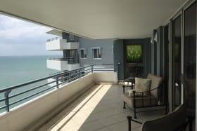 La Riviera, 9D