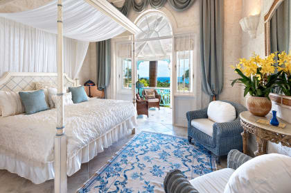 Guest suite facing the sea