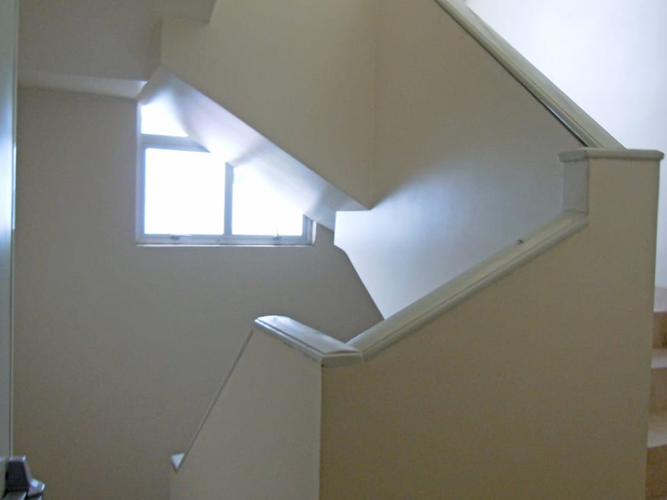 STAIRCASE LEADING TO DOWNSTAIRS