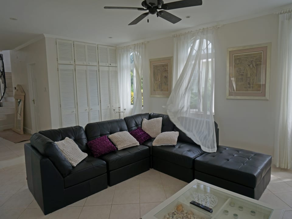 PART OF FAMILY ROOM
