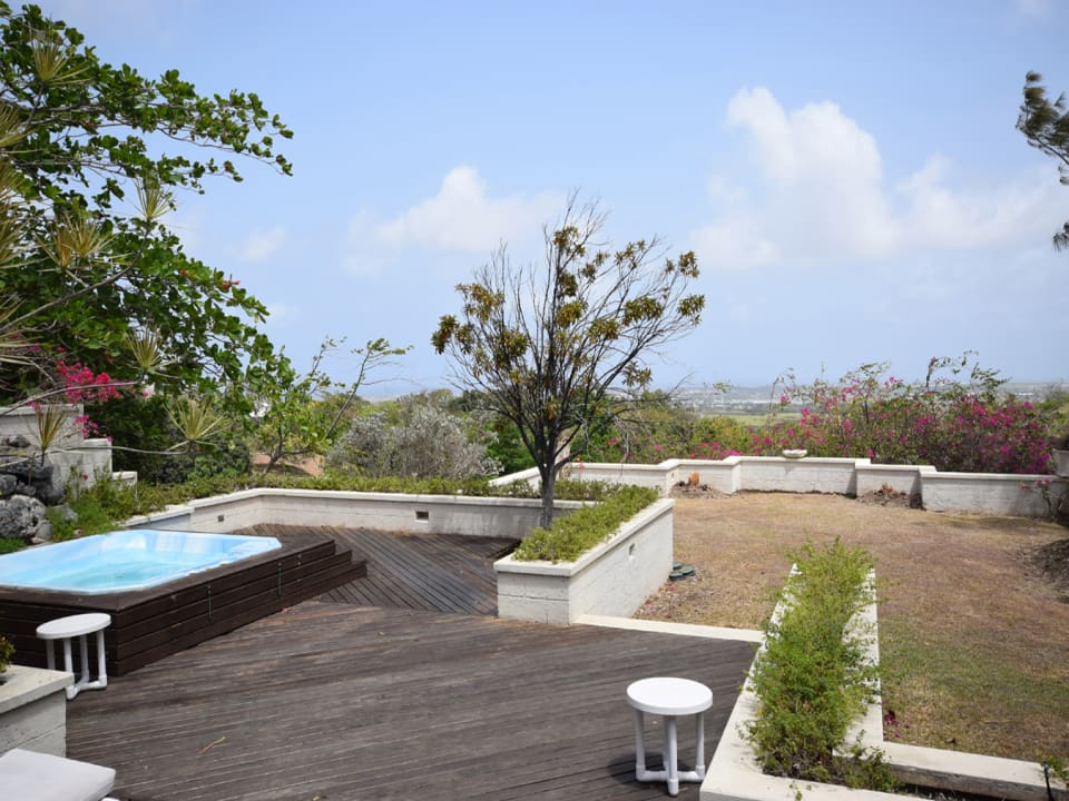 Open Air Deck - Inviting Spa Pool