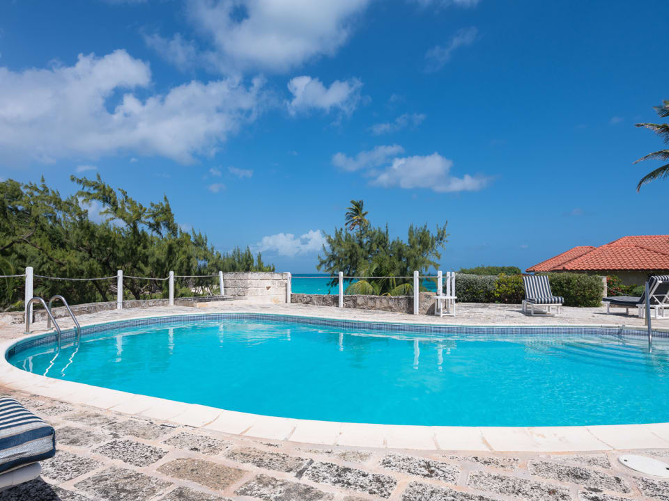 Communal Pool with 2 other villas