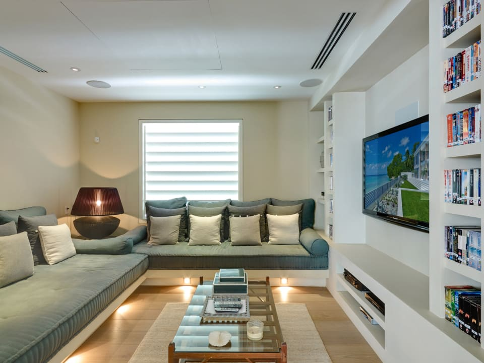 The Dream - Well-equipped Media Room