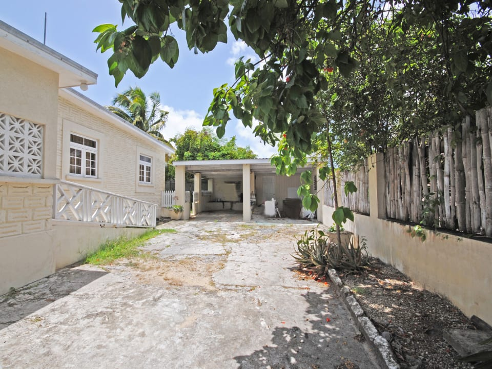 Driveway and garage of Lot 3 Shermans