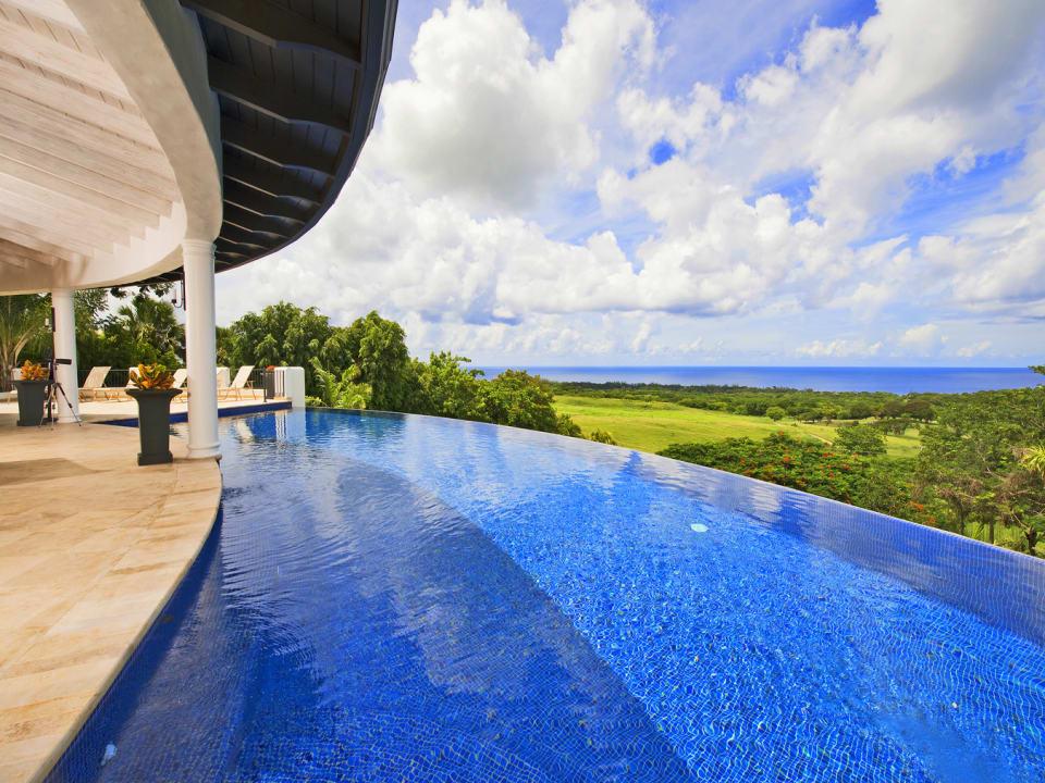 Infinity pool with phenomenal sea views