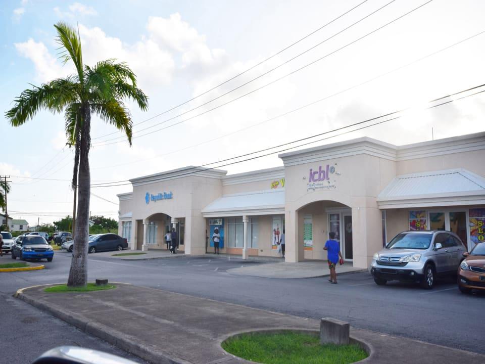 Surrounding Retail at Emerald City