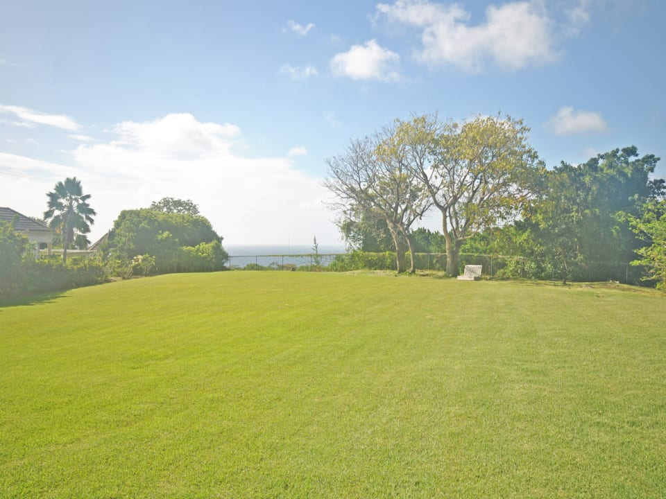 Beautiful lot with wonderful sea views