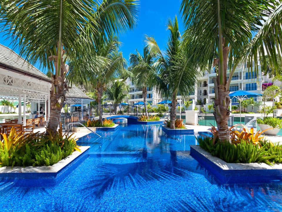 Pool island