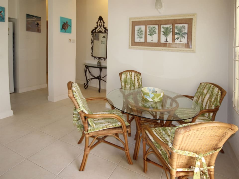 Indoor breakfast/dining area