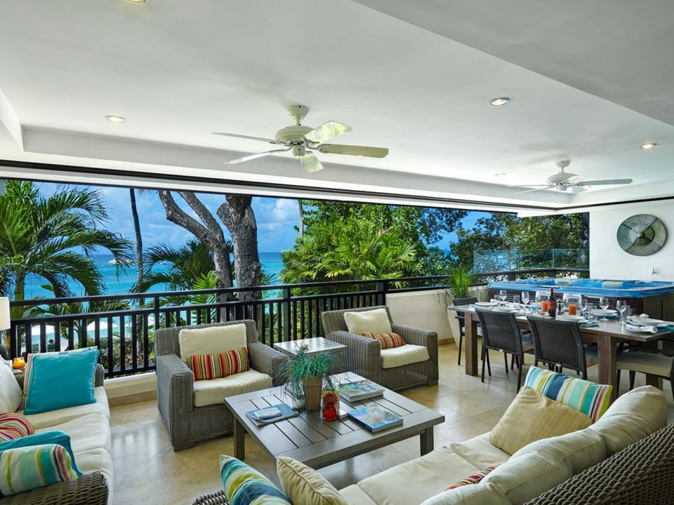 Private balcony with Jacuzzi pool