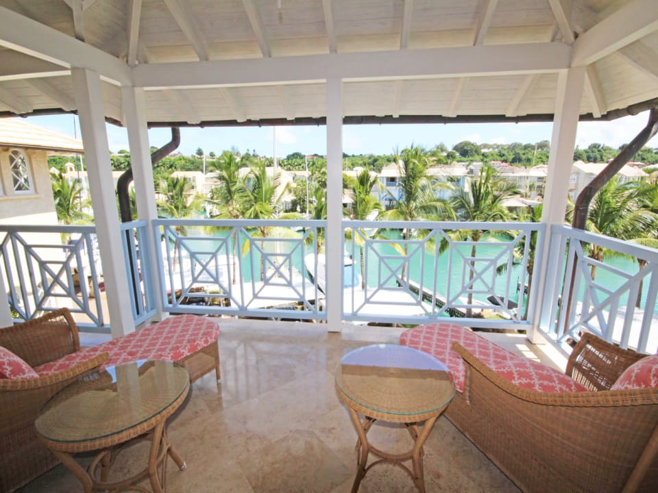 Front patio facing the lagoon