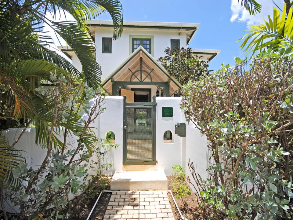 Attractive Villa Creole entrance