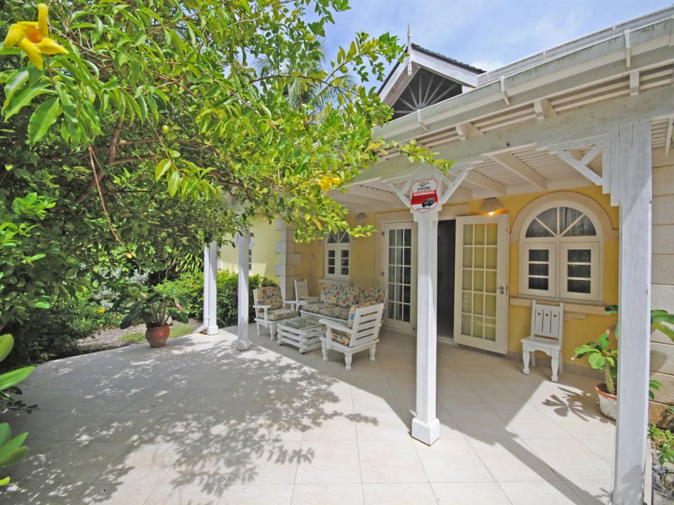 Front entrance of Coconut Cottage