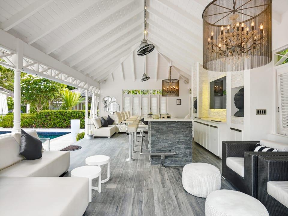 Spacious bar cabana at poolside