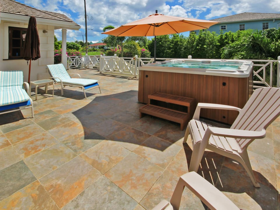 Patio deck with Jacuzzi