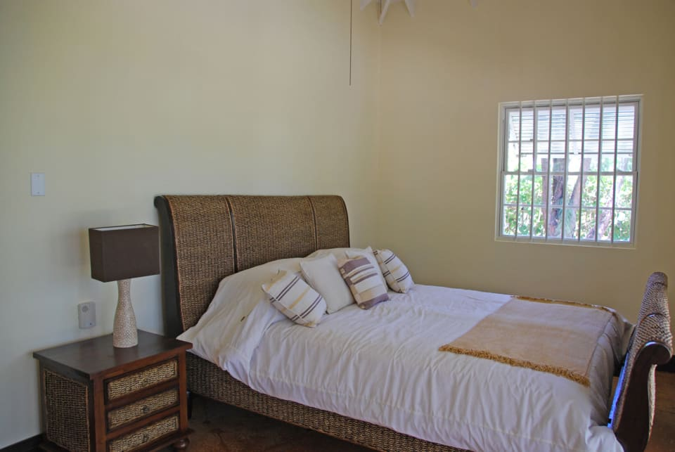 Master bedroom - opens out to garden