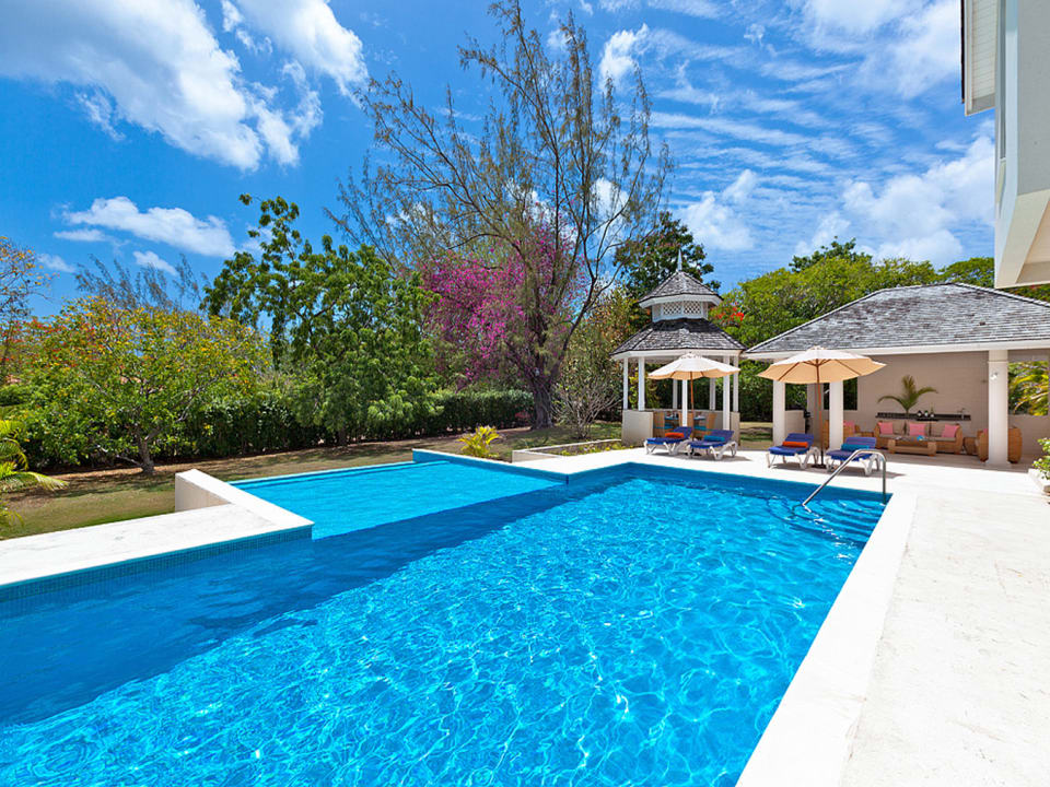 Spacious swimming pool terrace