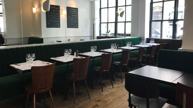Garcon Restaurant Rue Du arata MIDI)