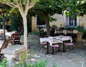 La Table de la Feniere, Arles