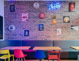 Pixies Bar & Burgers, Lille