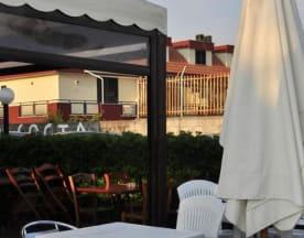 Max's Beer Garden, Formia