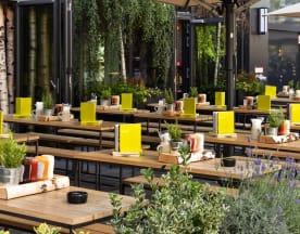 HANS IM GLÜCK Burgergrill & Bar - München GOETHEPLATZ, München