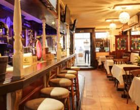 Chequers Bar & Restaurant, Cascais