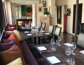 Moksha Resto-Lounge Indien, Territet