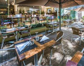 N'Café, Valence