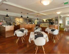 Theos´s Bazar Café, Funchal