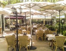 Hôtel Restaurant La Touloubre, La Barben
