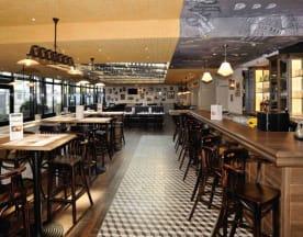 Café Leffe, Tours