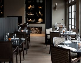 J Restaurant (by Fletcher), Huizen