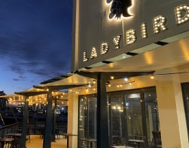 Ladybird Restaurant & Bar, Main Beach (QLD)