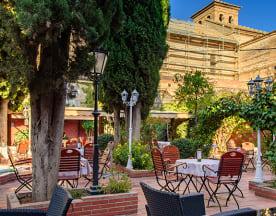 Restaurante Jardines de Zoraya -Flamenco en Vivo, Granada