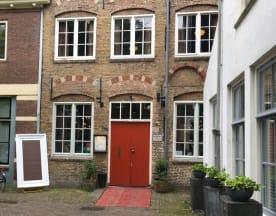 Van der Dussen, Delft
