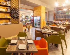 Cosmopolitan Lounge Bar&Bistrot (Volla), Volla