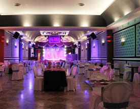 Sala Dietrich Restaurant Show, Museros