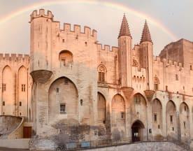 Le Moutardier du Pape, Avignon