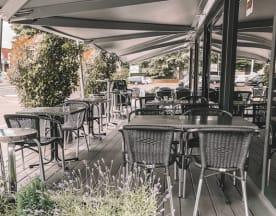 SB Cafe, Gland