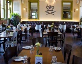 Queens Tavern, Highgate
