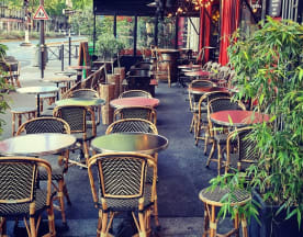 Félicie, Paris