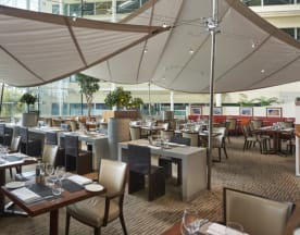 Aromi Restaurant & Dancer's Bar - Hilton Heathrow T4, Hounslow